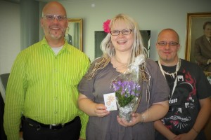 (vasemmalta) KirPeän pj Pekka M. Sinisalo, Jaana Manninen ja Teijo Petäjäjärvi.